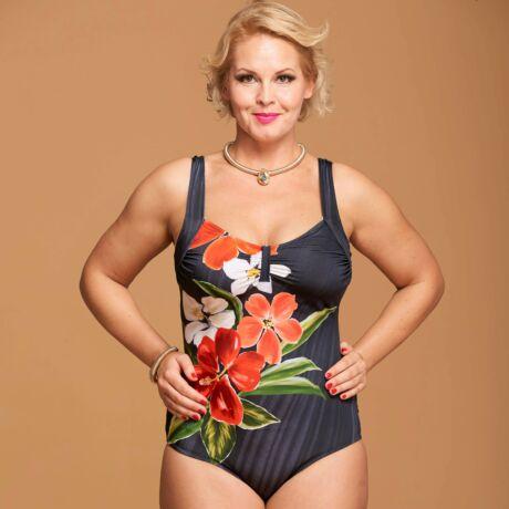 Yaffa Gloria egyrészes fürdőruha 19 - hibiszkuszos