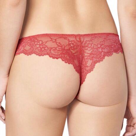 Triumph Tempting Lace Brazilian String - piros